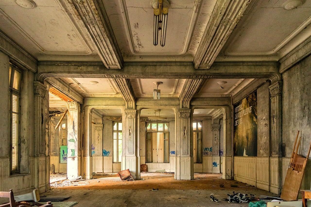 Schrott-Problemimmoblien-Hotelsanierungen